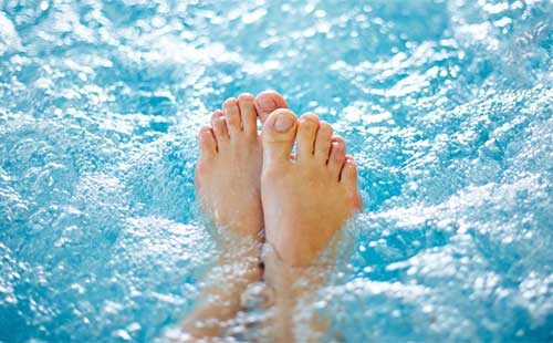 Hot Tub Hydrotherapy Benefits for Arthritis